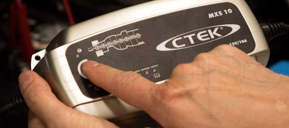 avis test essai démarreur chargeur batterie de secours CTEK MXS 10