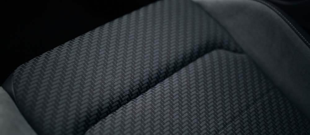 comment nettoyer sieges de voiture en tissu textile alcantara