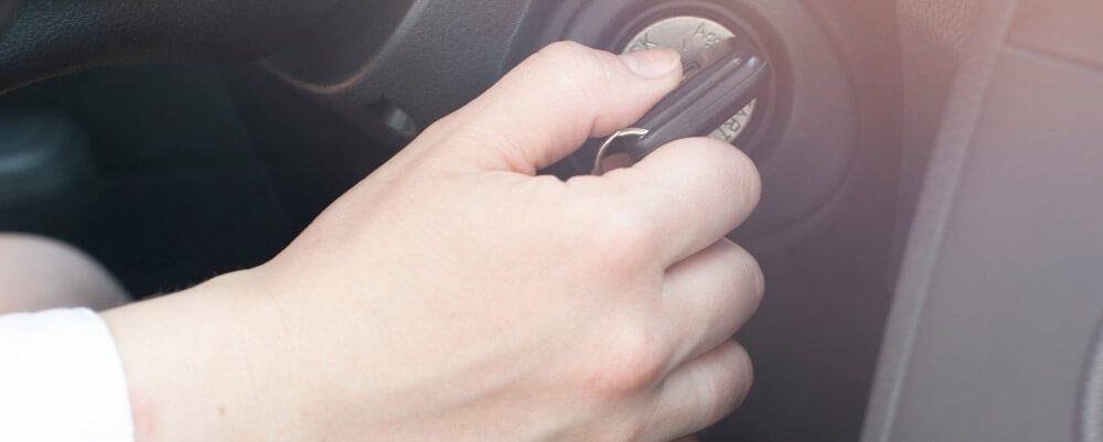 voiture démarre démarrage difficile a froid a chaud que faire